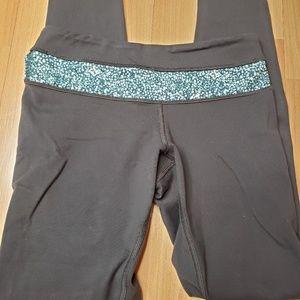 Lululemon cropped leggings size 4.